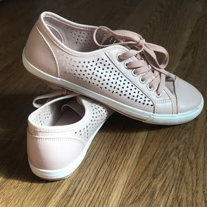 Pink perforated sneakers